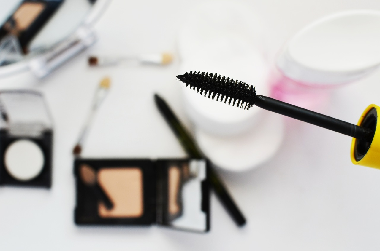 My private makeup lessons are a great way to take away the overwhelm over choosing and applying makeup and beauty products. And instead feel confident at doing your own makeup every day.